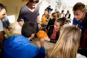 Pumpkin carving at Maltalingua